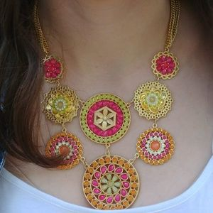 Jewelry - Pin-wheel Crystal Fashion Necklace